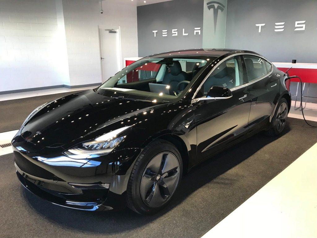 Model 3 2018 Black Ad784 Only Used Tesla
