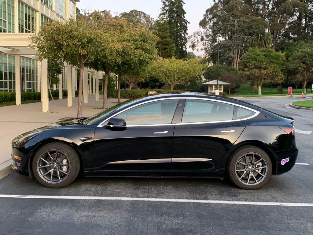 Model 3 / 2018 / Solid Black - 0fd96 | Only Used Tesla