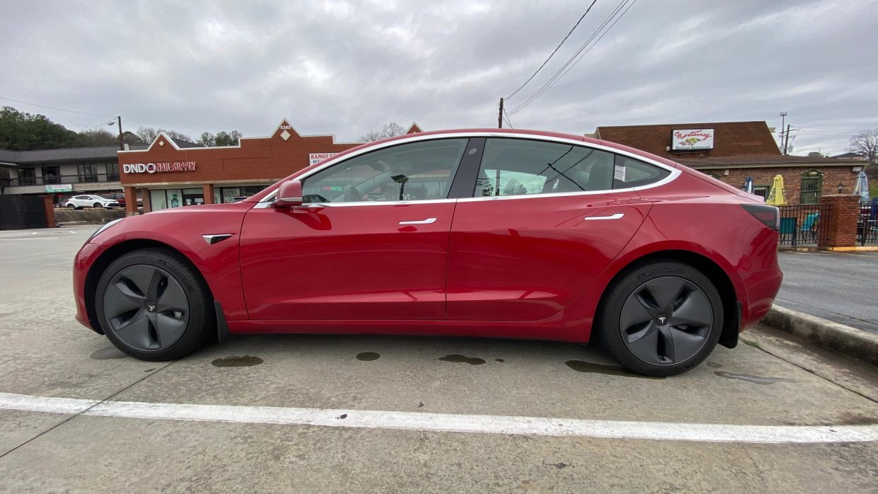 Model 3 / 2020 / Multicoat - Red - 70667 | Only Used Tesla
