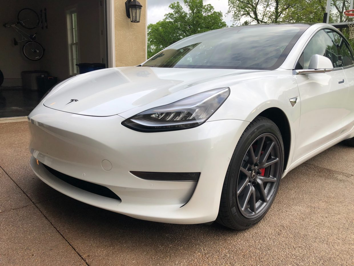 Model 3 / 2020 / White - 810a3   Only Used Tesla