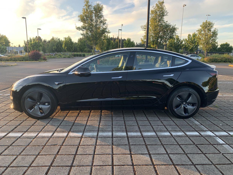 Model 3 / 2018 / Black - 50027 | Only Used Tesla