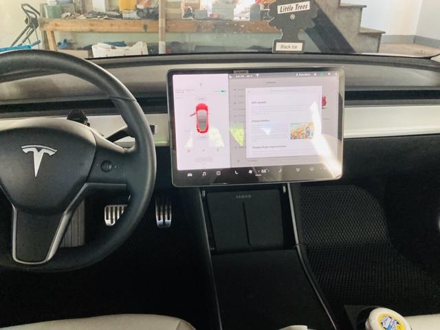 Model 3 / 2019 / Red Multi Coat - bdc81   Only Used Tesla