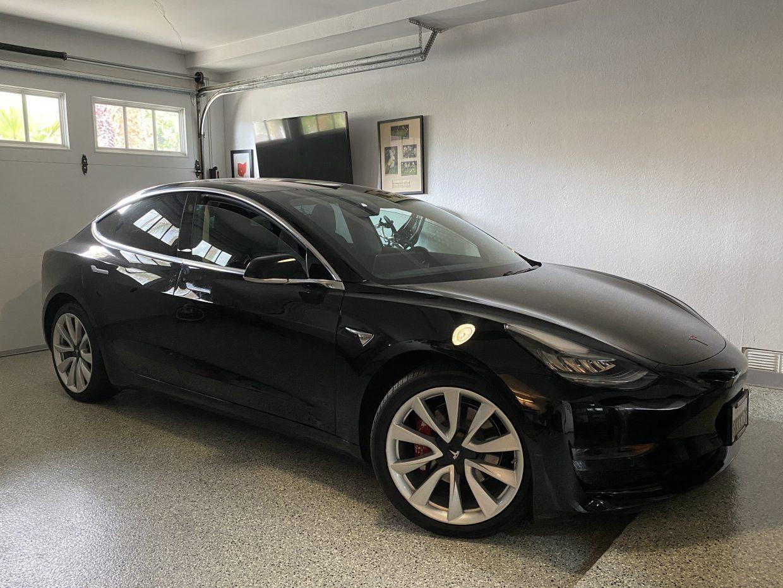 Model 3 / 2018 / BLACK - 16f14   Only Used Tesla
