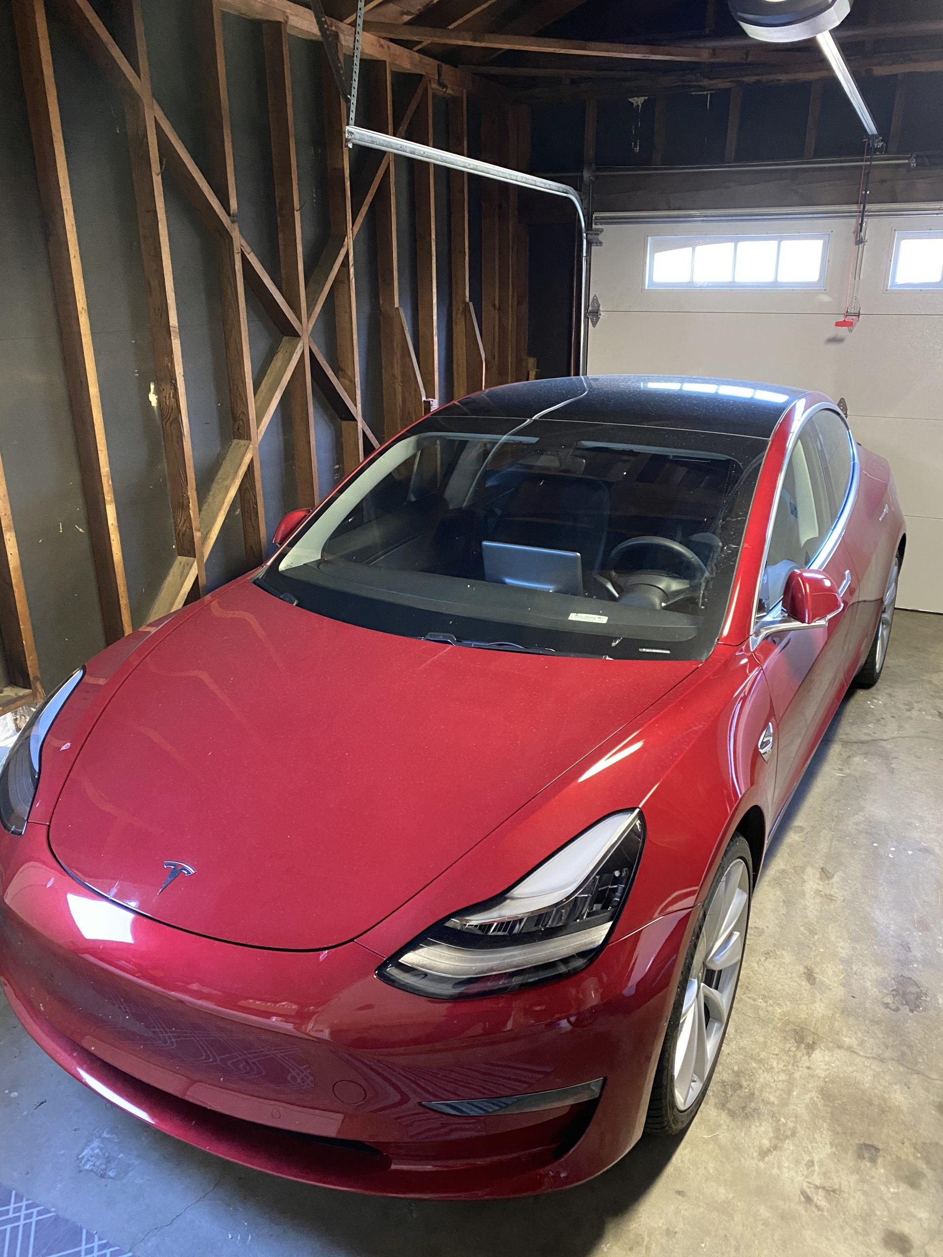 Model 3 / 2019 / RED - 548a6   Only Used Tesla