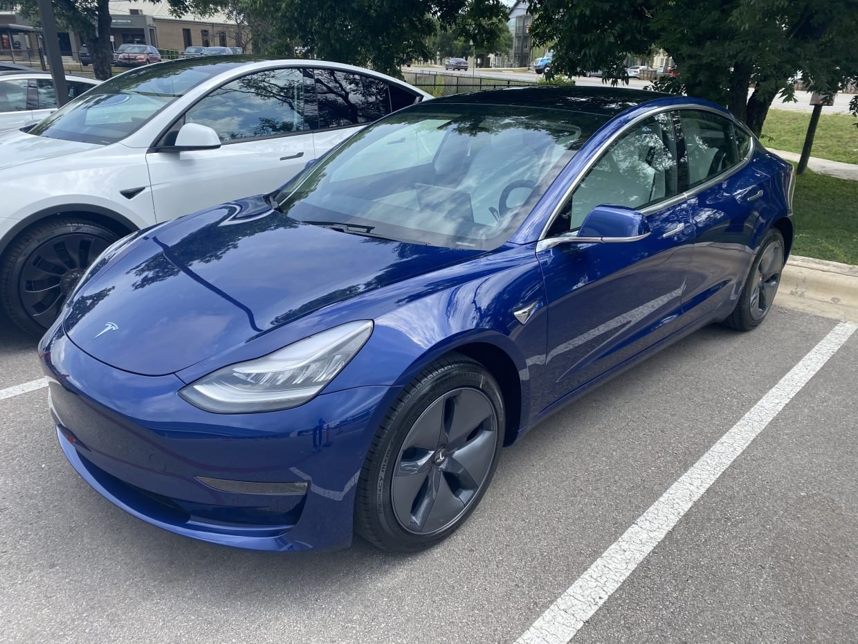 Model 3 / 2020 / Deep Blue Metallic - 67ad3 | Only Used Tesla