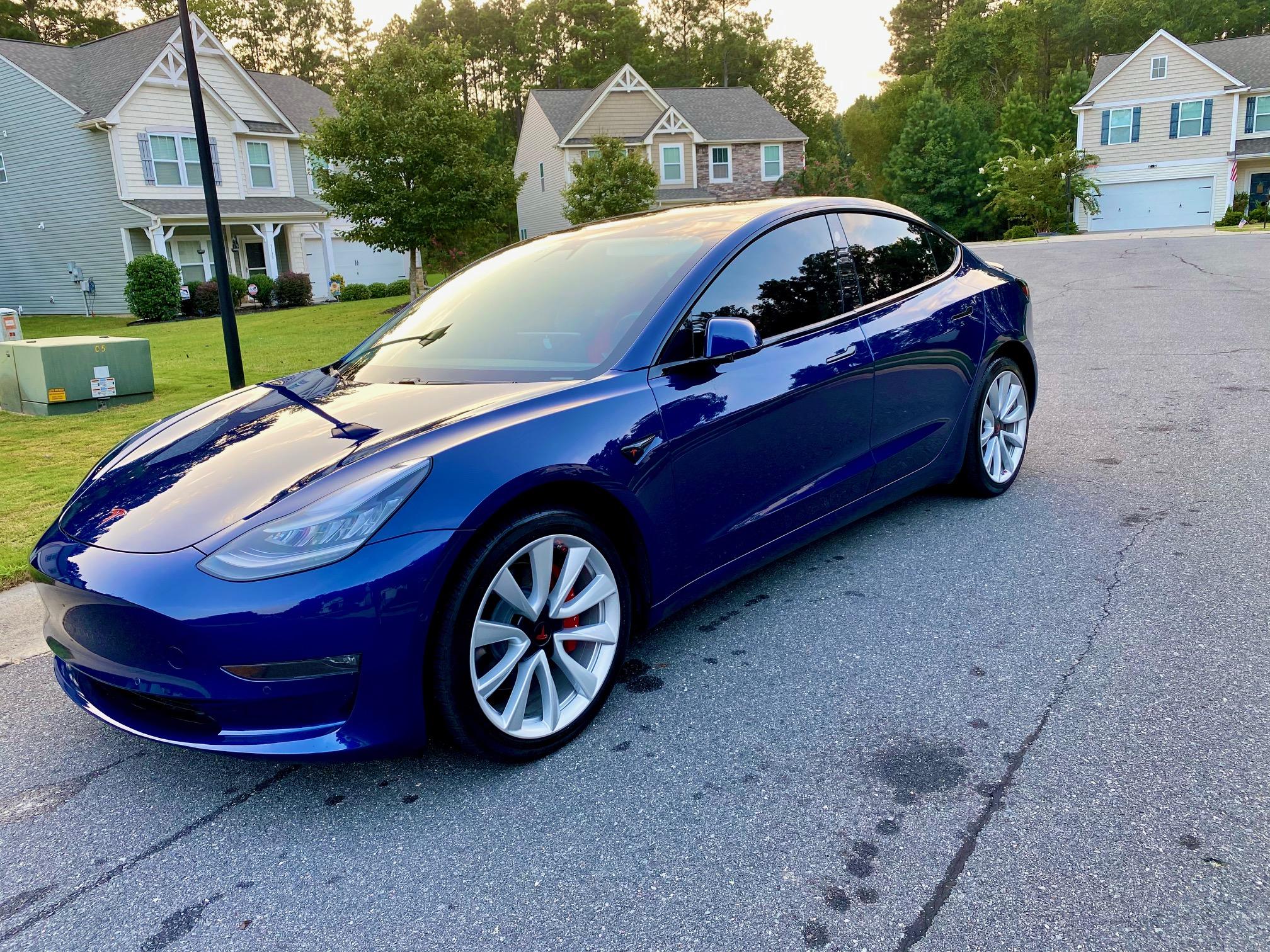 Model 3 / 2019 / Deep Blue - 8ebc5   Only Used Tesla