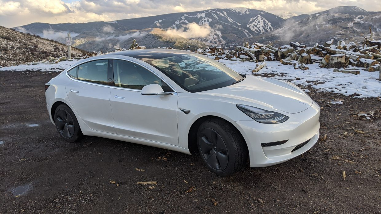 Model 3 / 2020 / Pearl White - 3ae75   Only Used Tesla