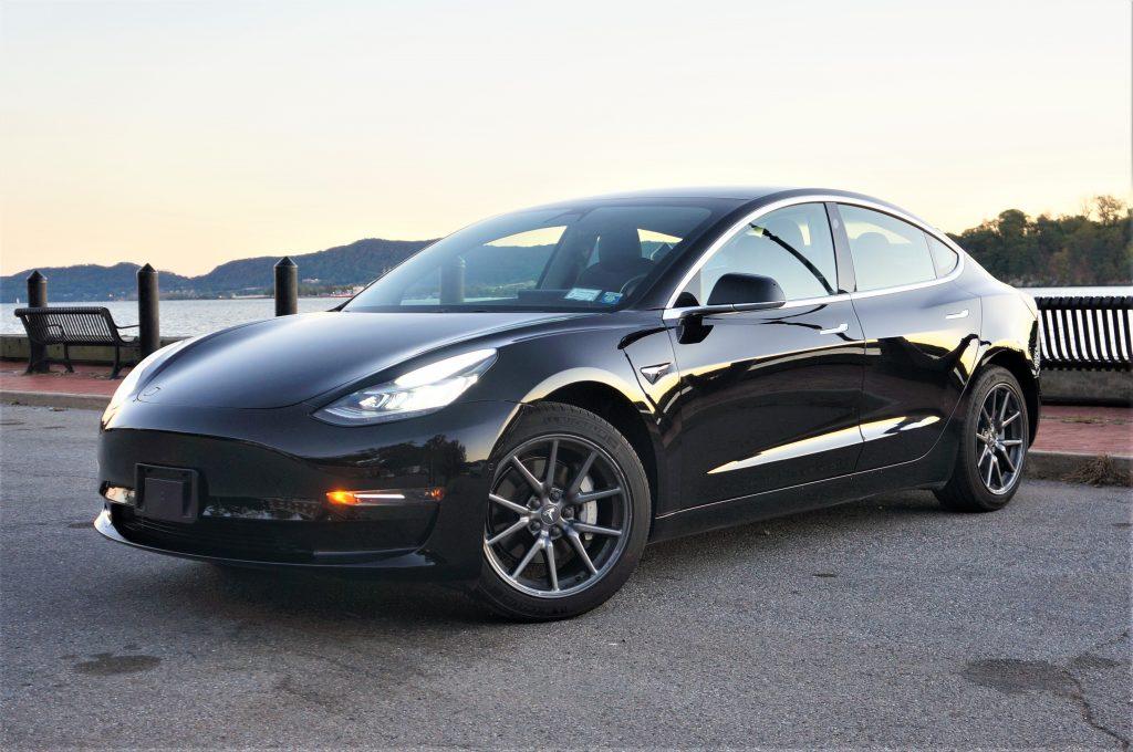 Model 3 / 2019 / Black - 52bb7 | Only Used Tesla