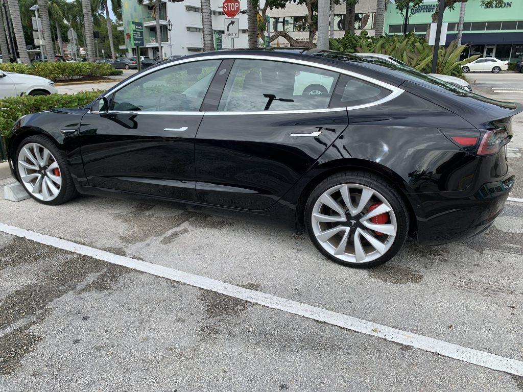 Model 3 / 2018 / Black - 22fc9   Only Used Tesla